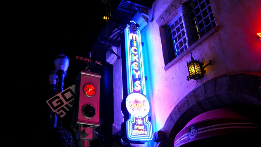 Hollywood-Studios-Night