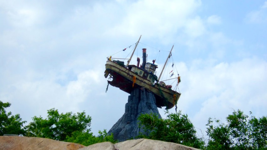 Typhoon-Lagoon-Ship